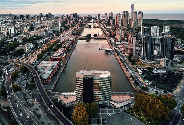 760px-Puerto_Madero,_Buenos_Aires_(40689219792)